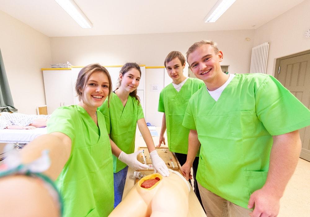Gesundheits- und Krankenpflegehelfer/in
